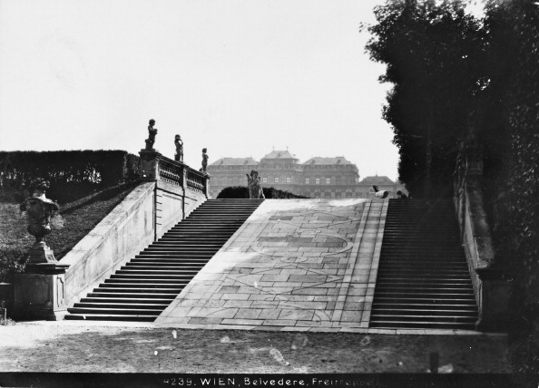 Vase「Vienna 4: View To The Upper Belvedere From The Steps In The Park. About 1910. Photograph By Bruno Reiffenstein (No. 4239).」:写真・画像(19)[壁紙.com]