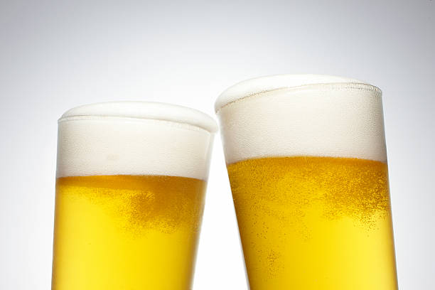 Two Pints of Beer:スマホ壁紙(壁紙.com)