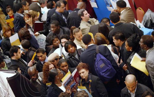 The Way Forward「Job Seekers Attend Employment Fair」:写真・画像(8)[壁紙.com]