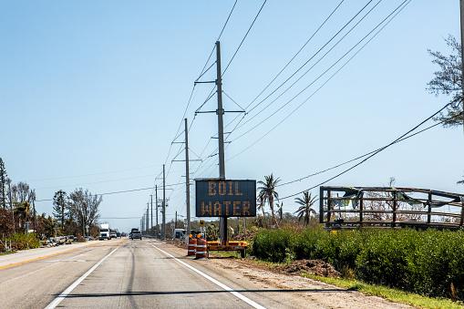 Effort「Boil Water alert sign in Florida Keys after hurricane」:スマホ壁紙(6)