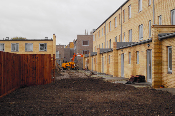 Housing Development「New homes being built in Angell town housing estate area in Loughborough, London, UK」:写真・画像(4)[壁紙.com]