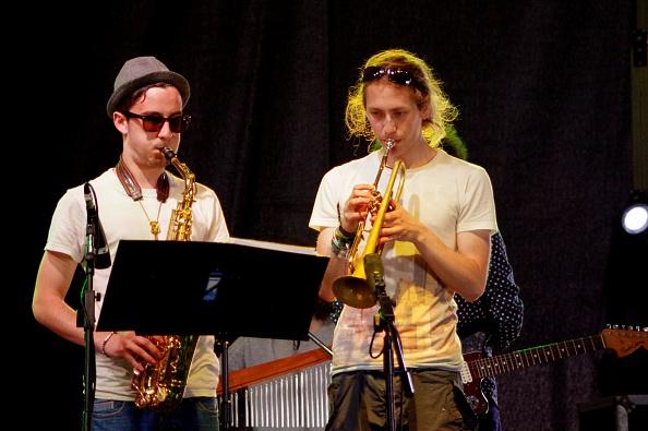 Musical instrument「Joe Jackson and R Muscat, Love Supreme Jazz Festival, Glynde Place, East Sussex, 2014.」:写真・画像(15)[壁紙.com]
