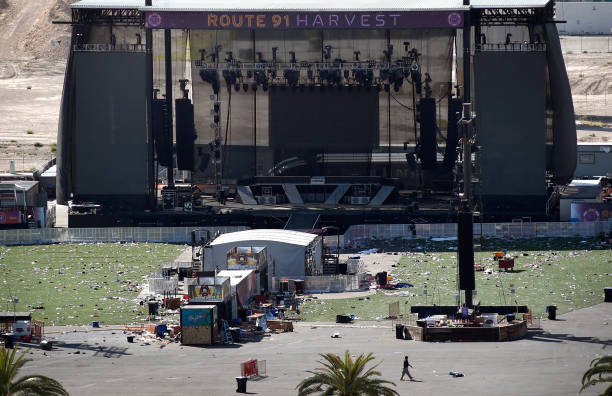 David Becker「Las Vegas Mourns After Largest Mass Shooting In U.S. History」:写真・画像(1)[壁紙.com]