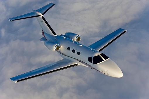 Passenger「A Corporate Jet Flying to it's Destination.」:スマホ壁紙(19)