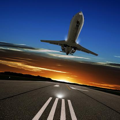 Approaching「XL corporate jet airplane landing」:スマホ壁紙(17)