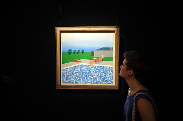 プール「Press Preview Of Sotheby's Impressionist And Modern Art Auction」:写真・画像(18)[壁紙.com]