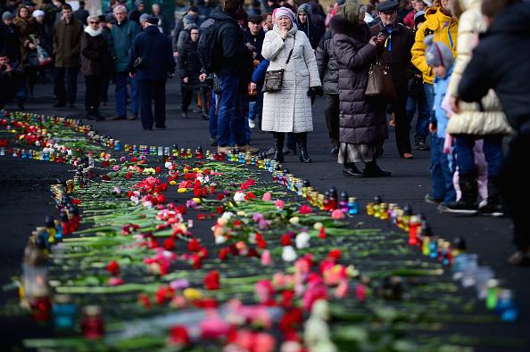 Footpath「Arrest Warrant Issued For Former Ukrainian Leader As Square Becomes Shrine To Dead」:写真・画像(15)[壁紙.com]