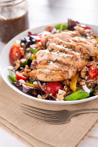 Vinaigrette Dressing「Balsamic Chicken Salad」:スマホ壁紙(4)