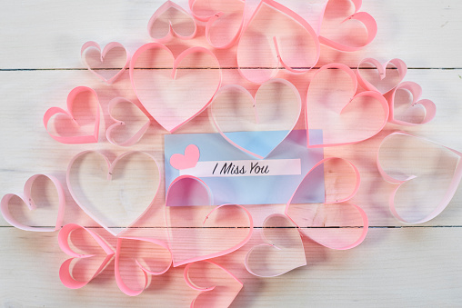 月「Blue paper among pink hearts. Debica, Poland」:スマホ壁紙(16)