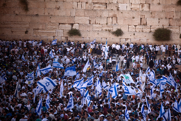 Wailing Wall「Israeli flag March Takes Place During Jerusalem Day」:写真・画像(1)[壁紙.com]