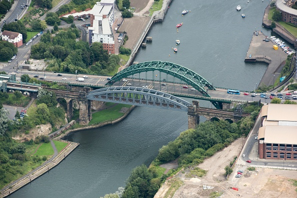 Water's Edge「Monkwearmouth Railway Bridge And Wearmouth Bridge」:写真・画像(12)[壁紙.com]