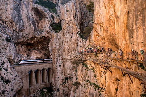 Footpath「World's Most Dangerous Footpath Set To Reopen In Spain」:写真・画像(19)[壁紙.com]
