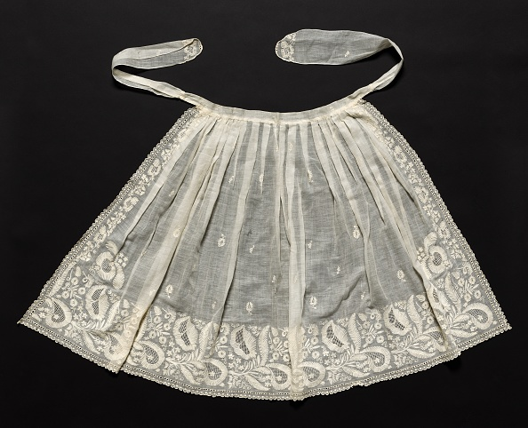 Embroidery「Wedding Apron」:写真・画像(1)[壁紙.com]