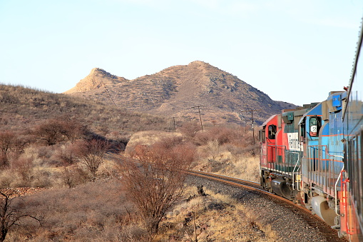 Railway「The Chepe train from Chihuaha to Los Mochas winds its way westward.」:スマホ壁紙(16)