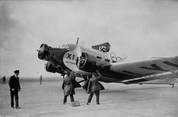 Airfield「Aunt Ju」:写真・画像(16)[壁紙.com]