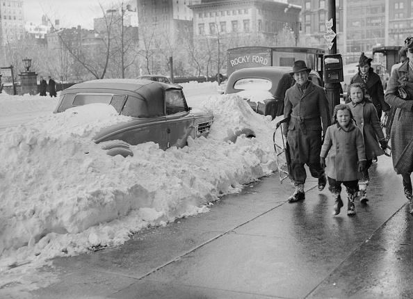 Following - Moving Activity「Snow On 57th」:写真・画像(4)[壁紙.com]
