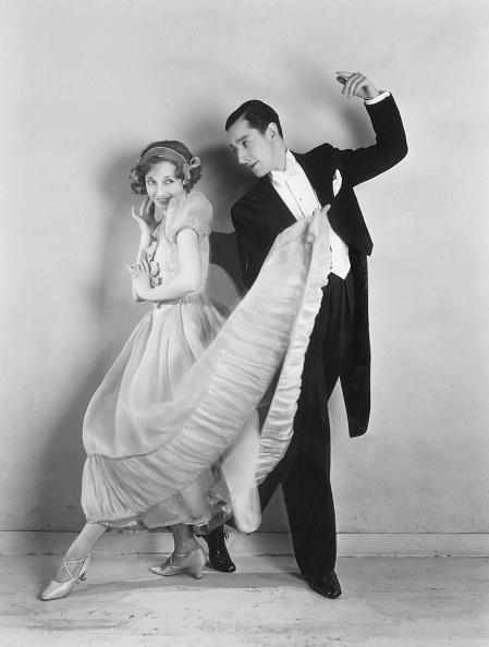 Formalwear「Dancing Duo」:写真・画像(1)[壁紙.com]