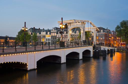 Amsterdam「Skinny Bridge in Amsterdam, at dusk」:スマホ壁紙(11)