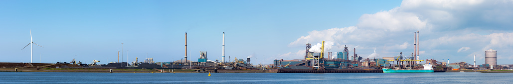 Amsterdam「Panorama dutch steel industry near Amsterdam」:スマホ壁紙(16)