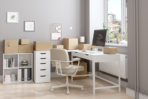 Small Office「Working From Home According To New Normal With Cardboard Boxes Prepared To Be Sent」:スマホ壁紙(13)