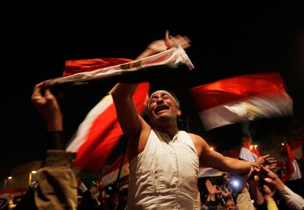 Egypt「Crowds Rally In Tahrir Square As Mubarak Prepares To Address Egypt」:写真・画像(8)[壁紙.com]