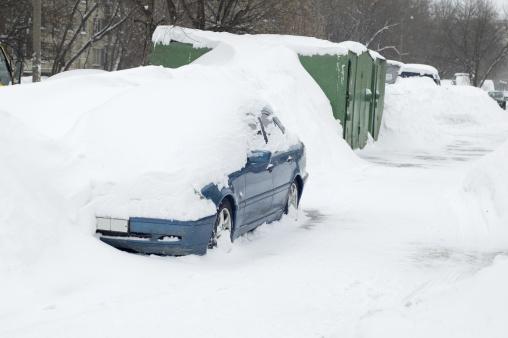 Snowdrift「car under snow in city」:スマホ壁紙(14)