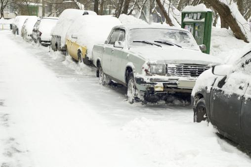 Snowdrift「car under snow」:スマホ壁紙(5)