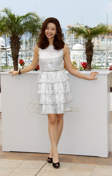 """Silver Colored「""""The Day He Arrives"""" Photocall - 64th Annual Cannes Film Festival」:写真・画像(17)[壁紙.com]"""