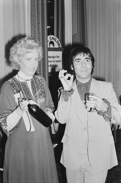 Two People「Keith Moon with Marcia Falkender」:写真・画像(15)[壁紙.com]