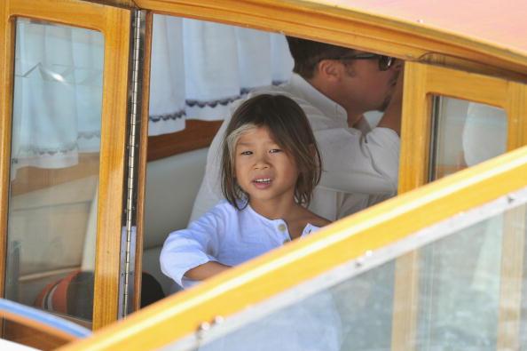 Social Services「65th Venice Film Festival: Brad Pitt And Family Arrive In Venice」:写真・画像(19)[壁紙.com]