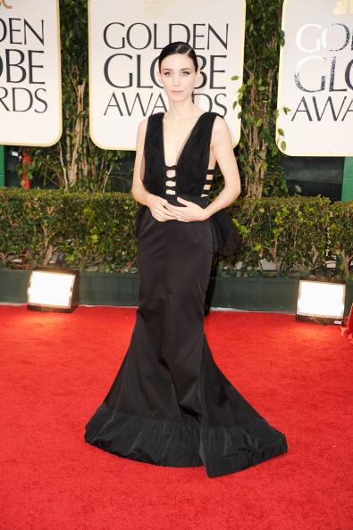 Strap「69th Annual Golden Globe Awards - Arrivals」:写真・画像(2)[壁紙.com]