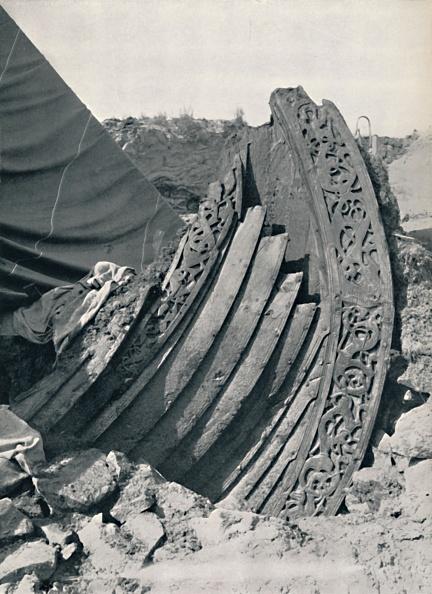 Archaeology「The Oseberg Ship In The Mound」:写真・画像(16)[壁紙.com]