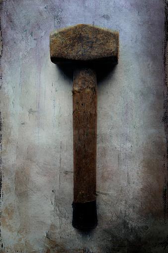 Gray Background「Tool. Large hammer.」:スマホ壁紙(4)