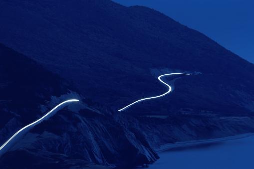Steep「Car headlights along Cabot Trail」:スマホ壁紙(17)