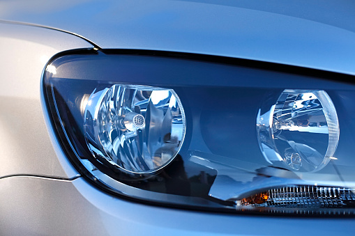 Mode of Transport「Car headlight close up」:スマホ壁紙(2)