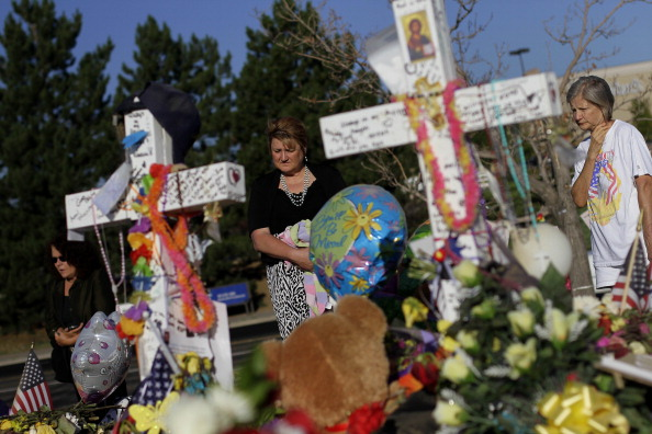 Makeshift「Denver Area Community Continues To Mourn In Wake Of Movie Theater Killings」:写真・画像(18)[壁紙.com]