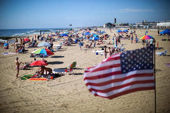 Beach「Jersey Shore Beaches Open For Season On Memorial Day Weekend」:写真・画像(5)[壁紙.com]