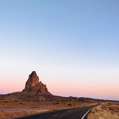 Utah「USA, Utah, Monument Valley at sunset」:スマホ壁紙(15)