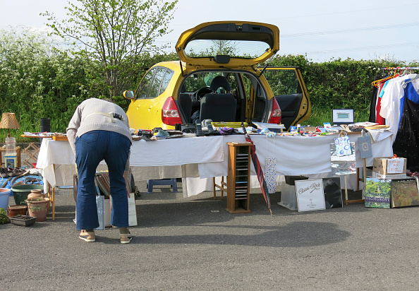 Second Hand Sale「Car Boot Sale At Gang Warily」:写真・画像(10)[壁紙.com]