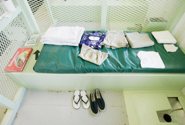 Slipper「War On Terror Detainees Continue To Be House At Guantanamo Bay」:写真・画像(7)[壁紙.com]
