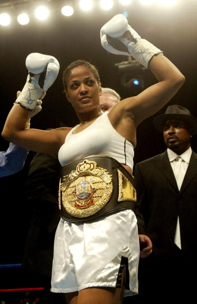 Belt「Ali Vs. Taylor Boxing In Las Vegas」:写真・画像(3)[壁紙.com]