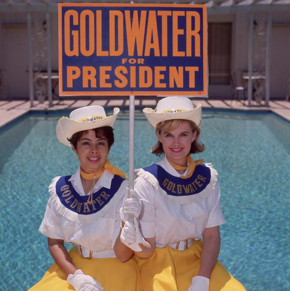 Presidential Election「Two Goldwater Girls」:写真・画像(4)[壁紙.com]