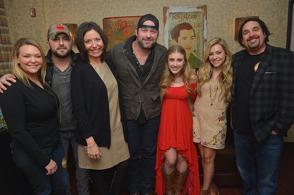 Road Signal「Lee Brice In Concert - Nashville, TN」:写真・画像(9)[壁紙.com]