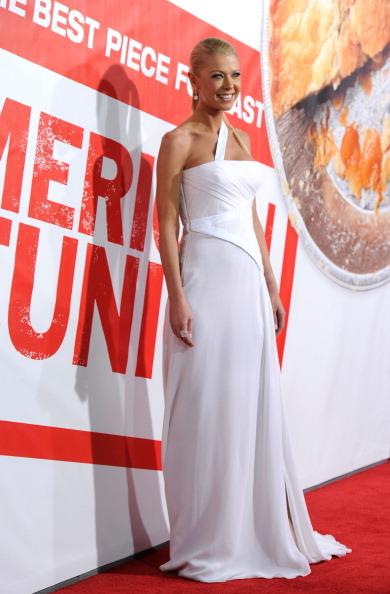 "Slit - Clothing「Premiere Of Universal Pictures' ""American Reunion"" - Arrivals」:写真・画像(3)[壁紙.com]"