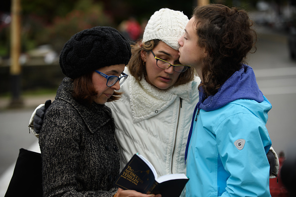 Pittsburgh「Shooter Opens Fire At Pittsburgh Synagogue」:写真・画像(5)[壁紙.com]