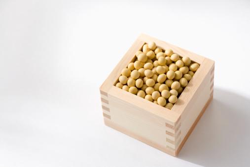 Masu「Masu filled with soya beans, close-up」:スマホ壁紙(8)