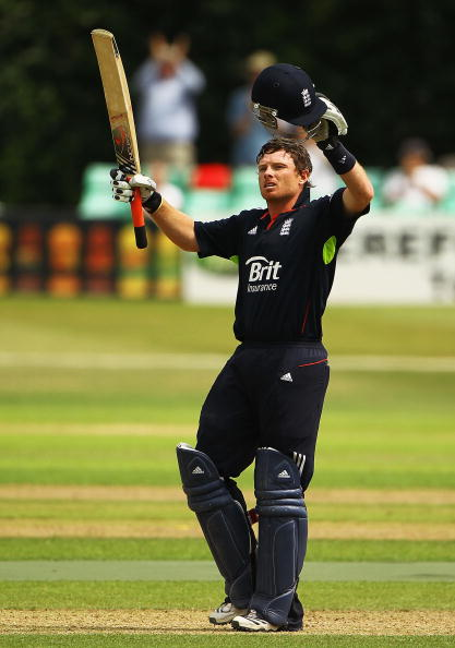 Ian Bell「Brit Insurance 2010 Cricket Season」:写真・画像(17)[壁紙.com]