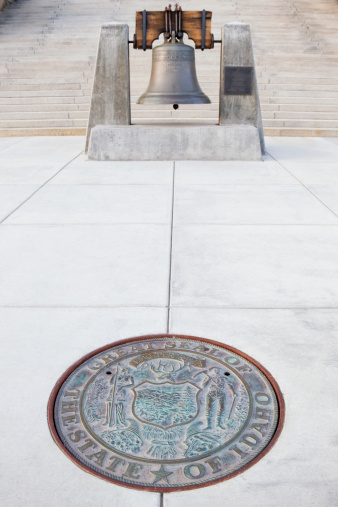 Idaho State Capitol「Great Seal and Liberty Bell Replica - Idaho State Capitol」:スマホ壁紙(19)