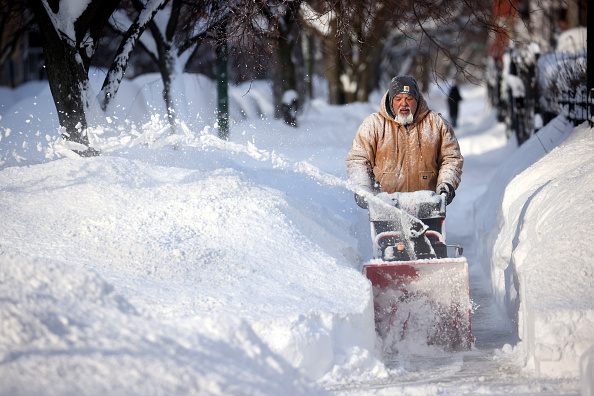 Weather「Winter Storm Uri Brings Ice And Snow Across Widespread Parts Of The Nation」:写真・画像(1)[壁紙.com]
