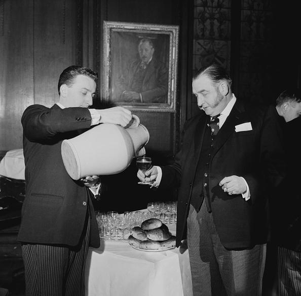 スイーツ「Cakes And Ale Ceremony」:写真・画像(2)[壁紙.com]